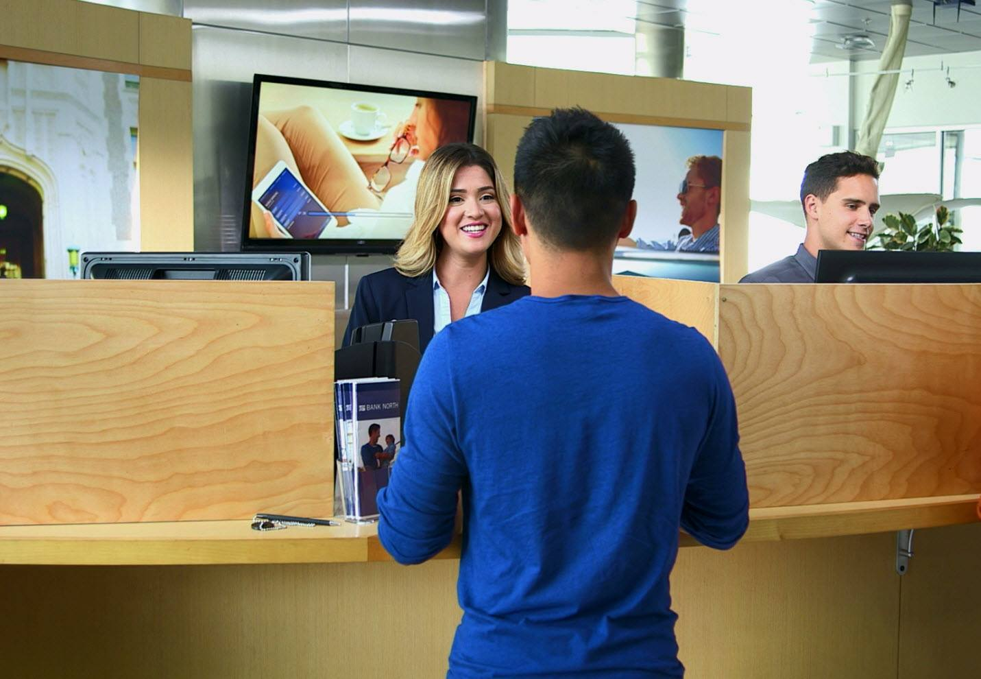 digital signage for financial services